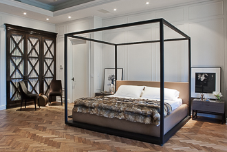 Aubrey Road, Beverly Hills Masterbedroom