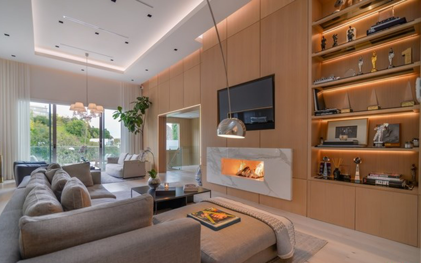 Cordell Dr, Hollywood Hills – Livingroom